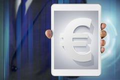 Biznesmena przedstawienia ekran o Euro walucie zdjęcia royalty free