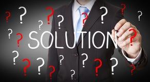 Biznesmena rozwiązania niemożliwy pojęcie Zdjęcie Royalty Free