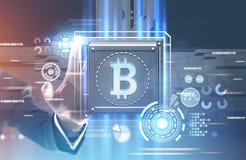 Biznesmena s ręki dojechanie dla bitcoin procesoru royalty ilustracja