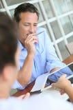 Biznesmena spotkanie z klientem w biurze Zdjęcia Royalty Free