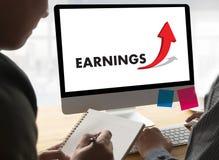 Biznesmena sukcesu wzrosta przychodów WZROSTOWA ilość Ulepsza Yo Obraz Stock