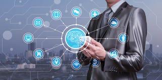 Biznesmena use smartphone z AI ikonami wraz z technologiem obrazy royalty free