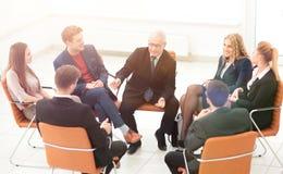 Biznesmena Wiodący spotkanie Przy sala posiedzeń obrazy stock