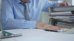Biznesmena wizerunek Pracuje w księgowości archiwum biurze zdjęcie stock