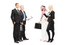 Biznesmeni i bizneswoman ma rozmowę Zdjęcia Stock