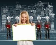 biznesmeni przewodzą laptop lampowej kobiety Obraz Stock