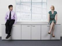 Biznesmeni Siedzi Na Biurowych gabinetach Obraz Stock
