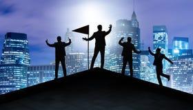 Biznesmeni w osi?gni?ciu i pracy zespo?owej poj?ciu ilustracja wektor
