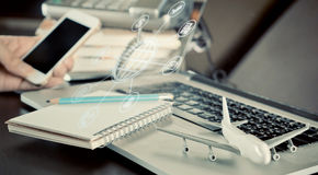 Biznesowa agencja podróży pracuje biurowego biurko Zdjęcia Stock