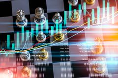 Biznesowa gra na cyfrowym rynku papierów wartościowych pieniężnym i szachowym backgr obrazy royalty free