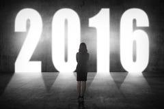 Biznesowa kobieta chodzi 2016 liczb Obraz Stock