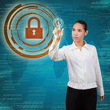 Biznesowa kobieta dotyka wirtualnego ekran Zdjęcie Royalty Free