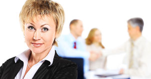 Biznesowa kobieta patrzeje ufny Zdjęcia Stock