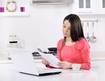 Biznesowa kobieta pracuje w domu Zdjęcie Stock