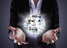 Biznesowa kobieta trzyma piłkę ludzie Zdjęcie Stock