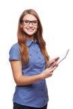 Biznesowa kobieta używa cyfrowego pastylka komputeru peceta Zdjęcia Royalty Free