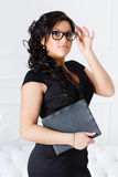 Biznesowa kobieta z komputerową pastylką. Fotografia Royalty Free