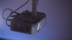 Biznesowa konferencja Pracujący projektor dla prezentacja seansu zdjęcie wideo