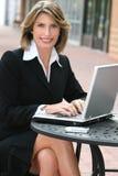 biznesowa korporacyjna laptopu korporacyjny kobieta obraz royalty free