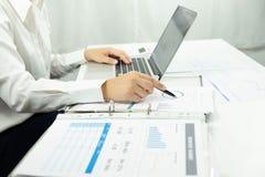 Biznesowa księgowość księgowości i skontrum nauczanie Ordynacyjna praca obraz stock