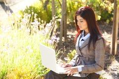 biznesowa laptopu biura biznesowy kobieta Fotografia Royalty Free