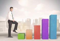 Biznesowa osoba wspinaczkowa up na colourful mapa filarów pojęciu Obrazy Stock