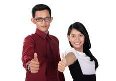 Biznesowa para z kciukiem up, odizolowywający na bielu Zdjęcia Royalty Free