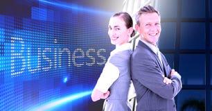 Biznesowa para z powrotem popierać z Biznesowym tekstem z budynku biura okno Zdjęcie Royalty Free
