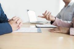 Biznesowa sytuacja, akcydensowego wywiadu pojęcie Partner biznesowy drużyna Zdjęcie Royalty Free