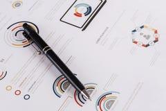 Biznesowe mapy i diagramy Zdjęcia Royalty Free
