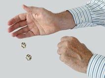 biznesowego kostka do gry mężczyzna toczni koszulowi sixes dwa obrazy stock