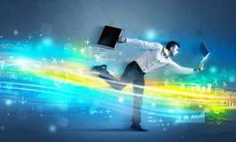 Biznesowego mężczyzna bieg w zaawansowany technicznie falowym pojęciu Obrazy Royalty Free