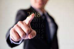 biznesowego mężczyzna palca prasy 2018 żółta ikona Zdjęcia Royalty Free