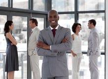 biznesowego mężczyzna uśmiechnięta pozyci drużyna fotografia royalty free