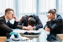 Biznesowego niepowodzenia bankructwo stresująca się pokonująca drużyna fotografia royalty free