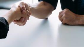 Biznesowego partnerstwa styl życia korporacyjny uścisk dłoni zdjęcie royalty free