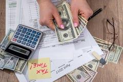 Biznesowej damy podatku podsadzkowa forma 2017 Obrazy Stock