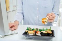 biznesowej filiżanki przydatny emisyjny lunch otwierał obrazy stock