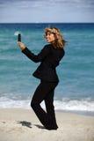Biznesowej kobiety plaża Selfie Zdjęcie Royalty Free