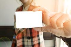 Biznesowej kobiety przedstawienia bielu karta, biznesowy pomysł, biznesowy concep Obraz Royalty Free