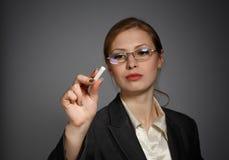 Biznesowej kobiety writing z kredą obrazy royalty free