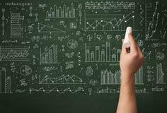 Biznesowej osoby rysunkowy dane na chalkboard Zdjęcia Stock