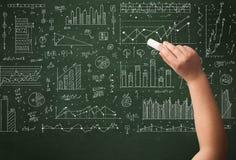 Biznesowej osoby rysunkowy dane na chalkboard Zdjęcie Stock