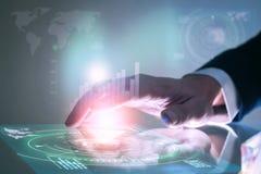Biznesowej ręki dane wzruszający ekran Futurystyczny technologii concep Zdjęcie Royalty Free