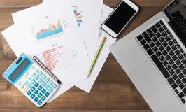 Biznesowi akcesoria na pracy biurku Obrazy Stock