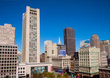 Biznesowi budynki biurowi i drapacze chmur przy zjednoczeniem Obciosują w San Fransisco †'Październik 8 2014 zdjęcia stock
