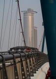 Biznesowi budynki widzieć od mosta w Frankfurt Fotografia Stock