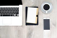 Biznesowy biurko - płaski układu biuro obraz stock