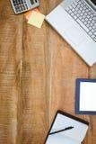 Biznesowy biurko z laptopem i pastylką Fotografia Stock