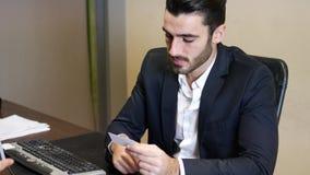 biznesowy biznesmena karty mienie zdjęcie wideo
